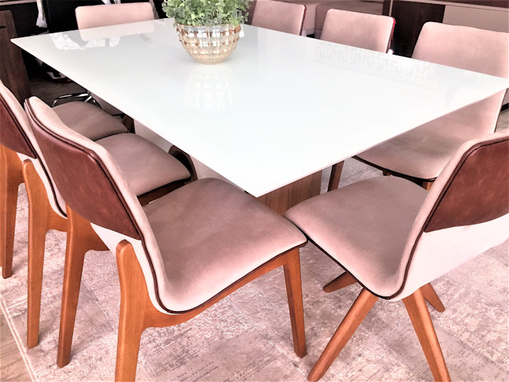 Cadeiras modernas, bicolores e funcionais; em tecido sintético. por Sgabello Interiores Moderno Sintético Castanho