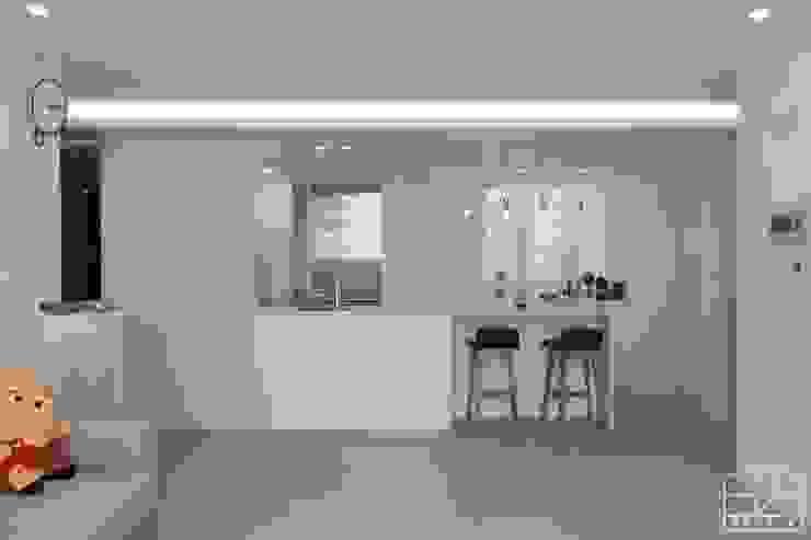 Cuisine minimaliste par 홍예디자인 Minimaliste