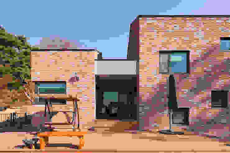 Wooden houses by 위드하임, Modern Bricks