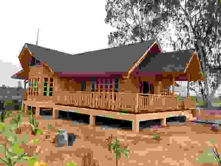 Log Home ติดมอเตอร์เวย์ โดย Sukjai Logcabin Partnership คลาสสิค ไม้จริง Multicolored