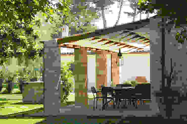 GIAN MARCO CANNAVICCI ARCHITETTO Rustic style garden