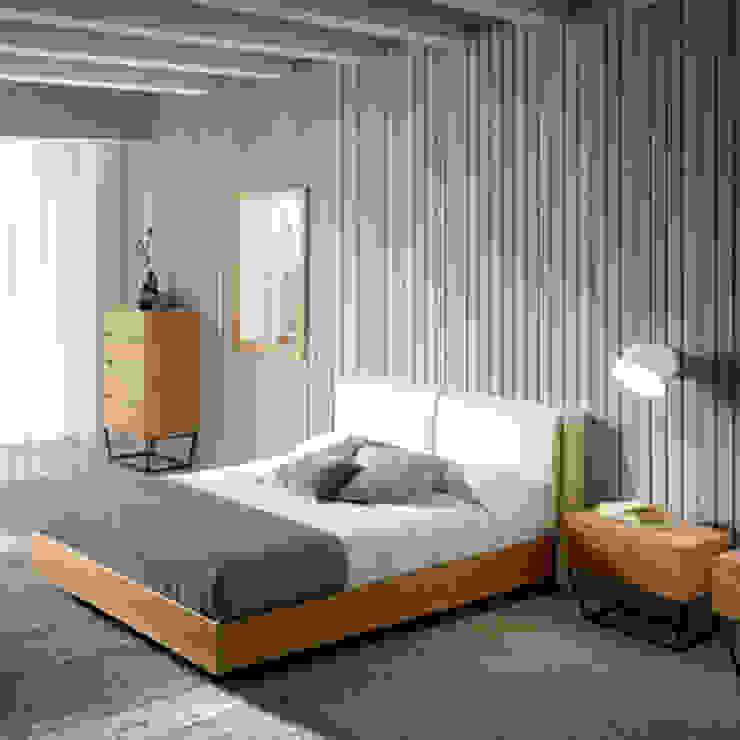 Dormitorio de diseño italiano de la nueva colección Atelier by Angel Cerdá de ANGEL CERDA Moderno Madera Acabado en madera