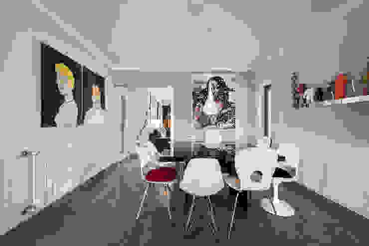 ARQ1to1 - Arquitectura, Interiores e Decoração Dining roomChairs & benches