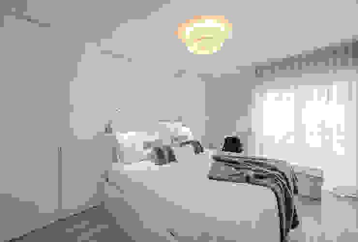 ARQ1to1 - Arquitectura, Interiores e Decoração BedroomWardrobes & closets