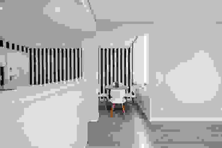Modern dining room by ARQ1to1 - Arquitectura, Interiores e Decoração Modern