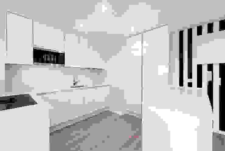 Cozinha ARQ1to1 - Arquitectura, Interiores e Decoração Armários de cozinha