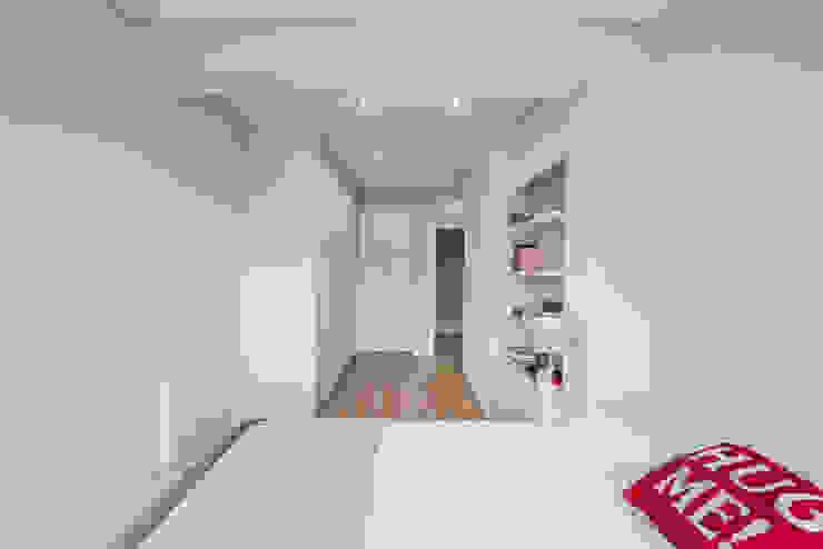 Suite por ARQ1to1 - Arquitectura, Interiores e Decoração Moderno