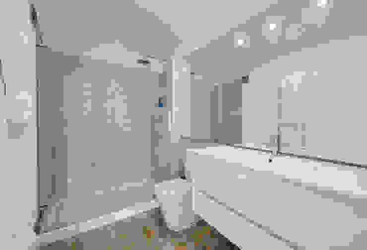 Casa de Banho Banheiros modernos por ARQ1to1 - Arquitectura, Interiores e Decoração Moderno
