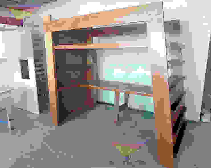 Hermosa cama alta contemporánea de camas y literas infantiles kids world Moderno Derivados de madera Transparente