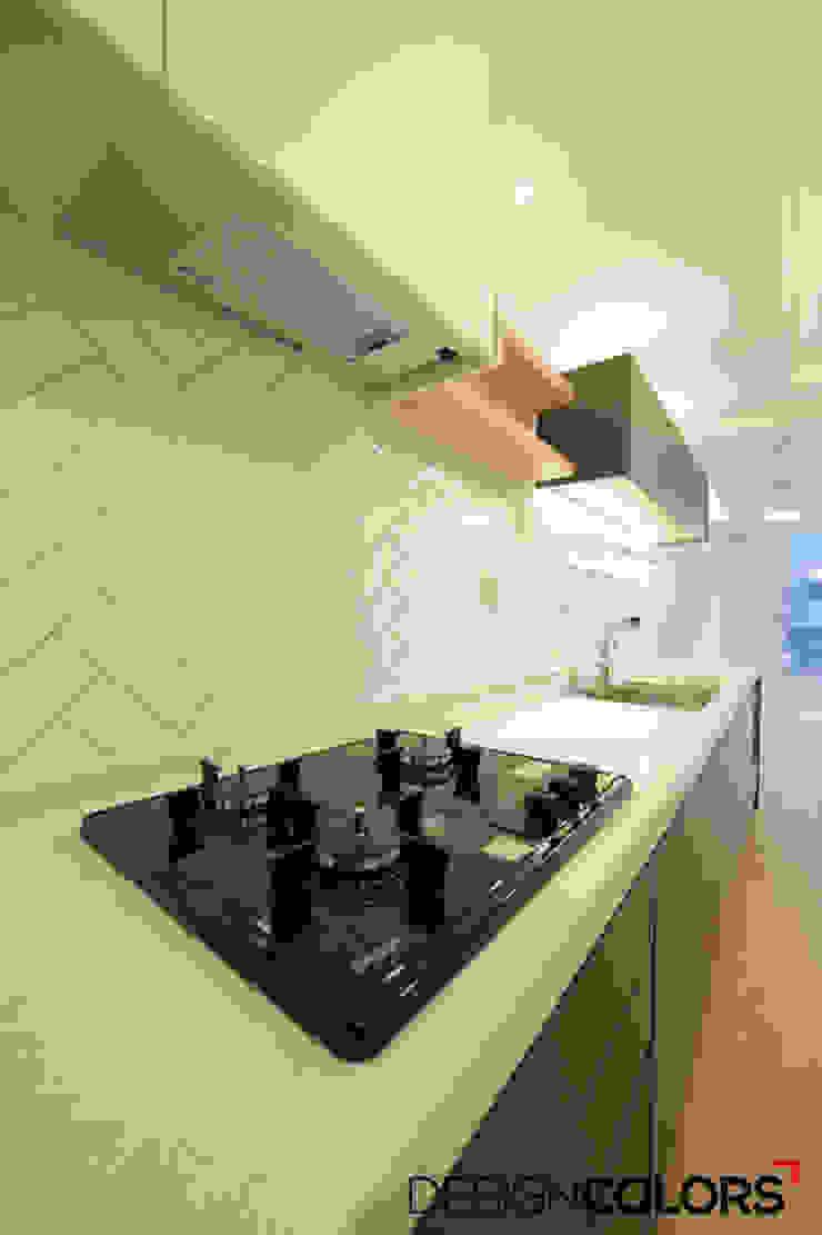 서초구 반포동 반포두산힐스빌 아파트 인테리어 22평 모던스타일 주방 by DESIGNCOLORS 모던