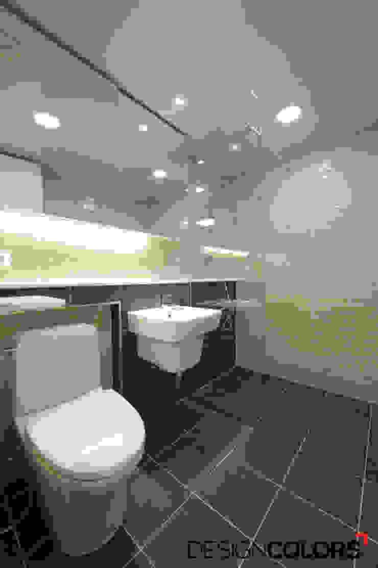서초구 반포동 반포두산힐스빌 아파트 인테리어 22평 모던스타일 욕실 by DESIGNCOLORS 모던