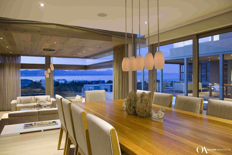 L \ HOUSE \\ Plettenberg Bay \\ Olivier Architects Modern dining room by Olivier Architects Modern