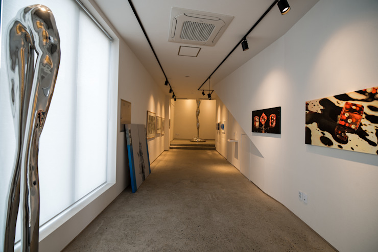 ArtiArki Gallery 모던스타일 미디어 룸 by 소요헌 모던
