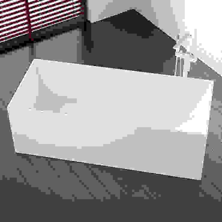 Kunstvolle freistehende Badewanne BW-06 L: modern  von Badeloft GmbH - Hersteller von Badewannen und Waschbecken in Berlin,Modern