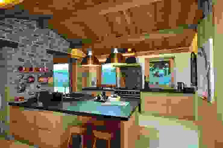 Nico Van Der Meulen Architects Modern kitchen