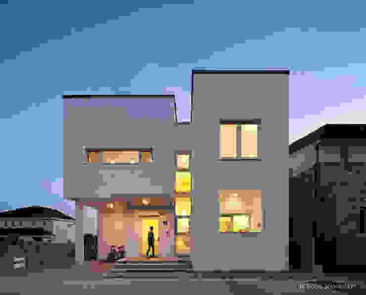 정면 건축사사무소 모뉴멘타 모던스타일 주택 석회암 화이트