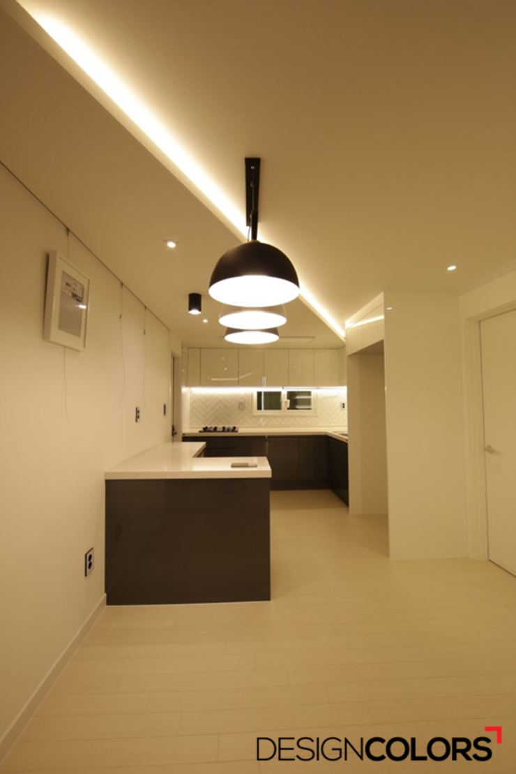 Salas de estilo moderno de DESIGNCOLORS Moderno