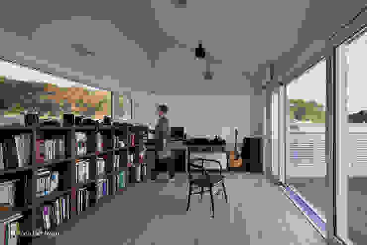 서재 모던스타일 서재 / 사무실 by 건축사사무소 모뉴멘타 모던