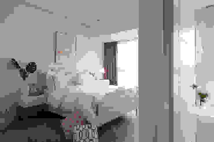 Спальня в стиле кантри от 北歐制作室內設計 Кантри