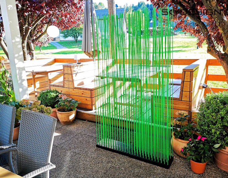 homify Garden Fencing & walls Synthetic Green