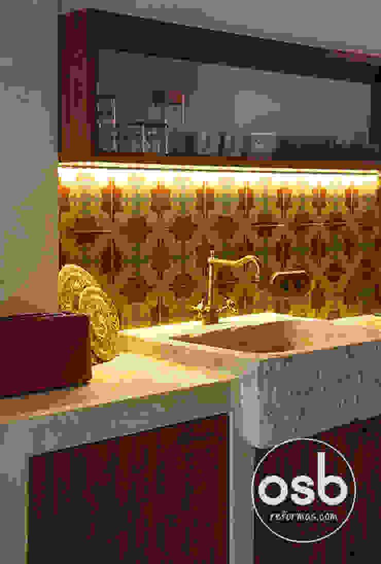 cocina de obra de osb arquitectos Rústico