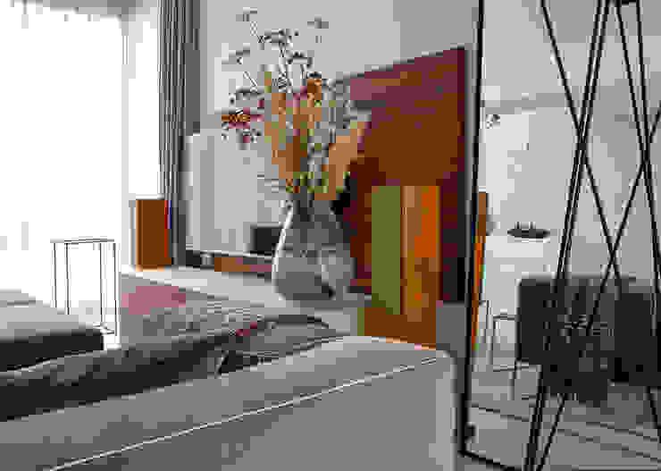 Salon moderne par Regina Dijkstra Design Moderne