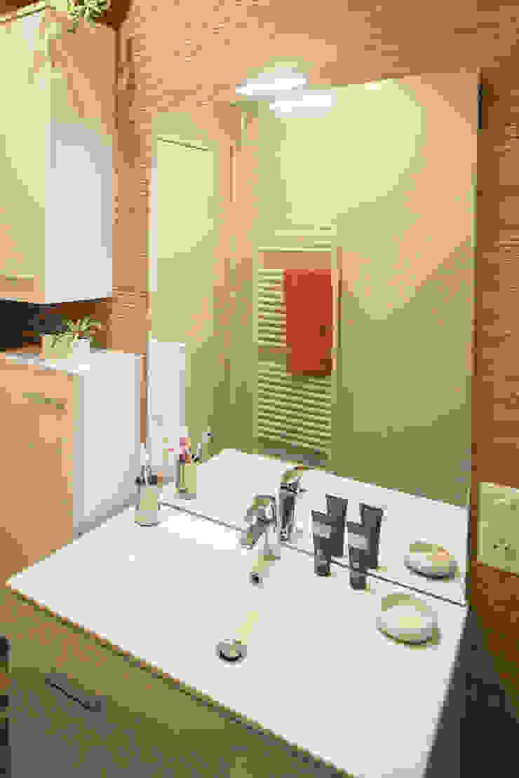 SALLE DE BAIN A STRASBOURG Salle de bain moderne par Agence ADI-HOME Moderne Bois composite