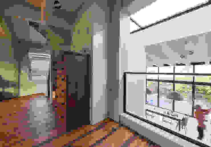 Гостиная в . Автор – Dineke Dijk Architecten