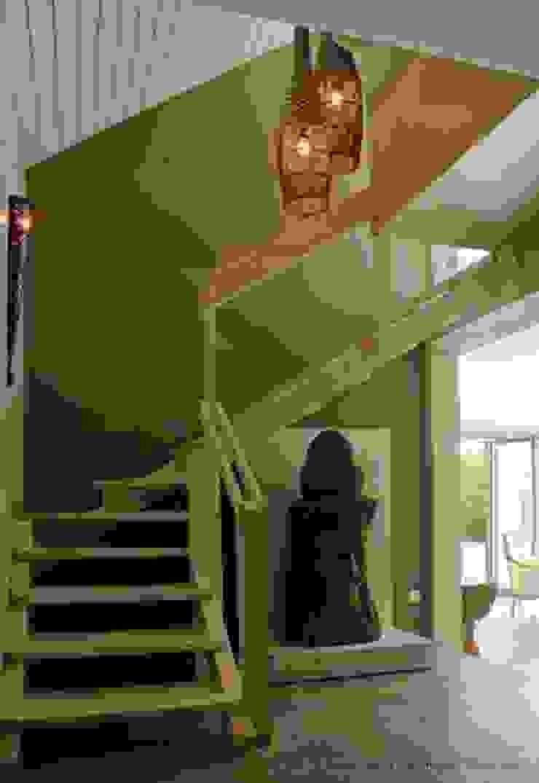 Officina Boarotto Pasillos, vestíbulos y escaleras coloniales