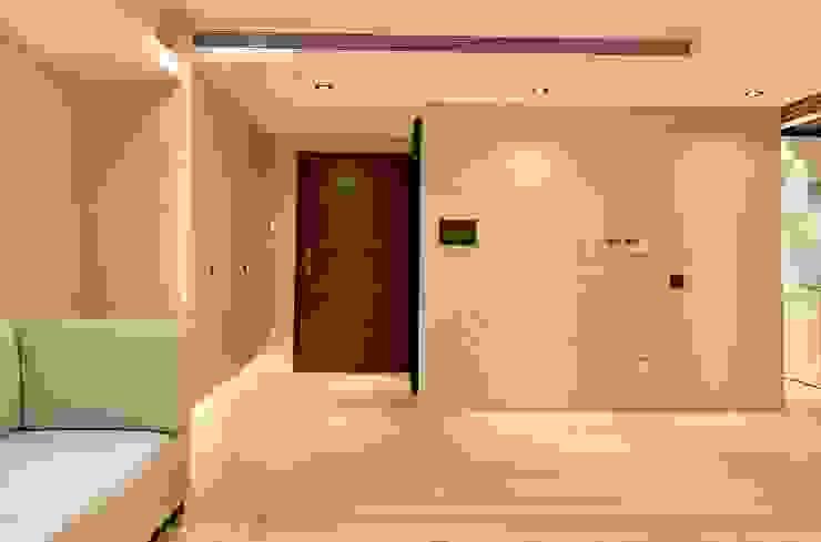 (省錢裝潢也能有高品味) 乡村风格的走廊,走廊和楼梯 根據 捷士空間設計(省錢裝潢) 鄉村風