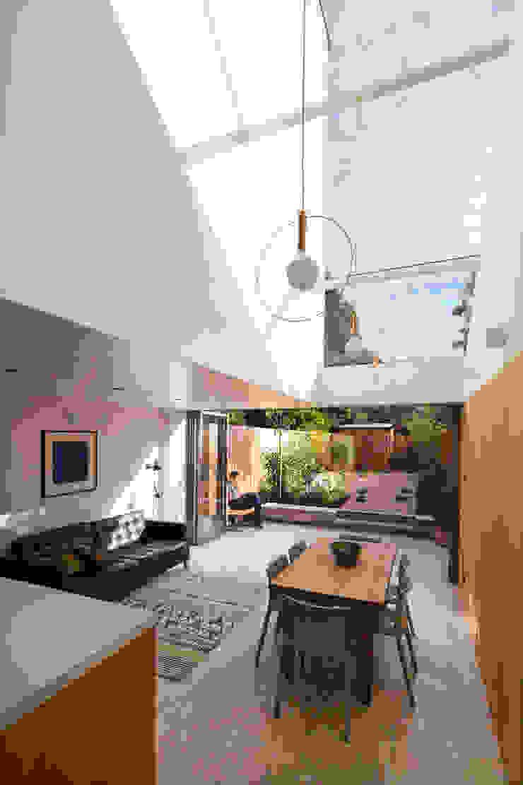 Dusheiko House Salas de jantar modernas por Neil Dusheiko Architects Moderno