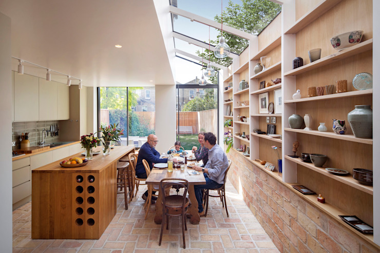 Gallery House Modern dining room by Neil Dusheiko Architects Modern