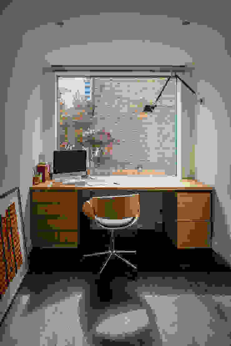 Petersen Brick House Neil Dusheiko Architects Modern style study/office