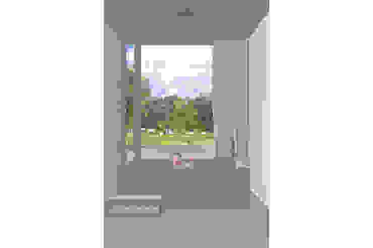 Modern Bathroom by Modle Woningen Modern Wood Wood effect