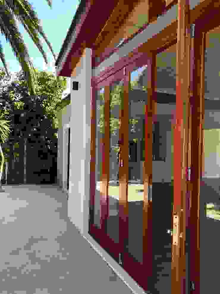 Barbosa Home Scandinavian style windows & doors by Cornerstone Projects Scandinavian