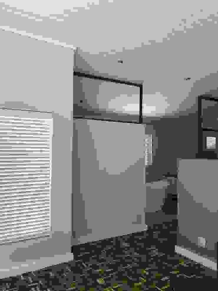 Barbosa Home Scandinavian style bedroom by Cornerstone Projects Scandinavian