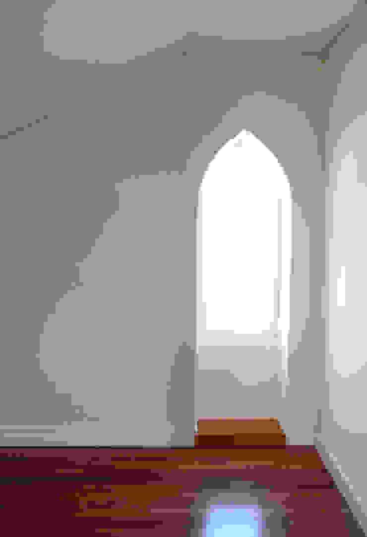 Puertas y ventanas de estilo moderno de Melo & Filhos Carpintaria Moderno