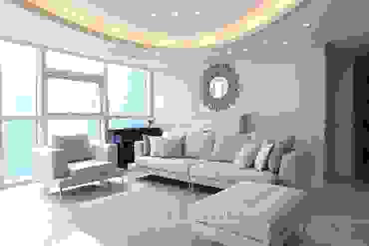 Moderne woonkamers van 스테이 모던 (Stay Modern) Modern