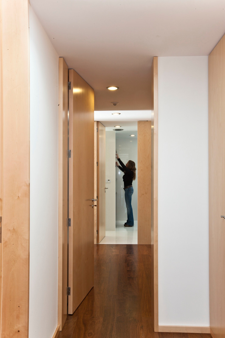 Melo & Filhos Carpintaria Modern Koridor, Hol & Merdivenler