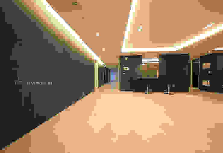 Modern living room by 스테이 모던 (Stay Modern) Modern