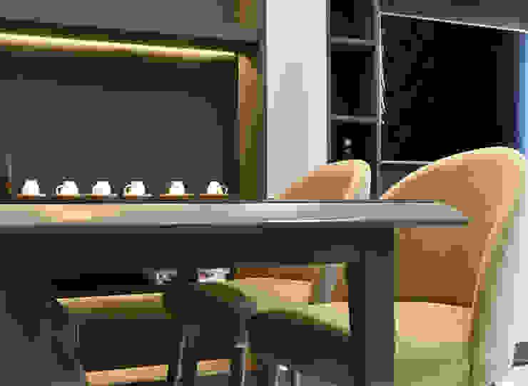 CĂN HỘ NHÀ MR CHÍNH TẠI NOVALAND SUNRISE Phòng ăn phong cách hiện đại bởi VAN NAM FURNITURE & INTERIOR DECORATION CO., LTD. Hiện đại