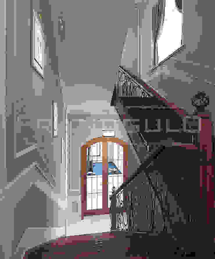 Pasillos, vestíbulos y escaleras de estilo clásico de Frandgulo Clásico