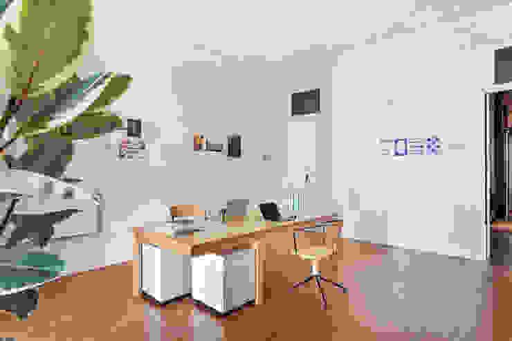 Fotógrafo profissional - Porto, Portugal Alessandro Guimaraes Photography Espaços de trabalho minimalistas