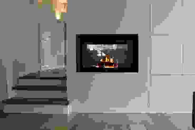 Livings modernos: Ideas, imágenes y decoración de Christoph Lüpken Ofenbau GmbH - Kamine aus Duesseldorf Moderno