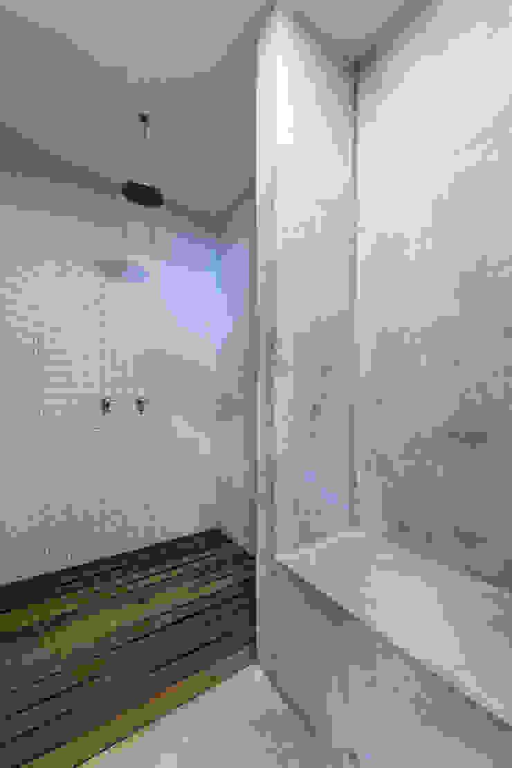 GIMNASIO PACIFICO SUR de NIKOLAS BRICEÑO arquitecto Moderno