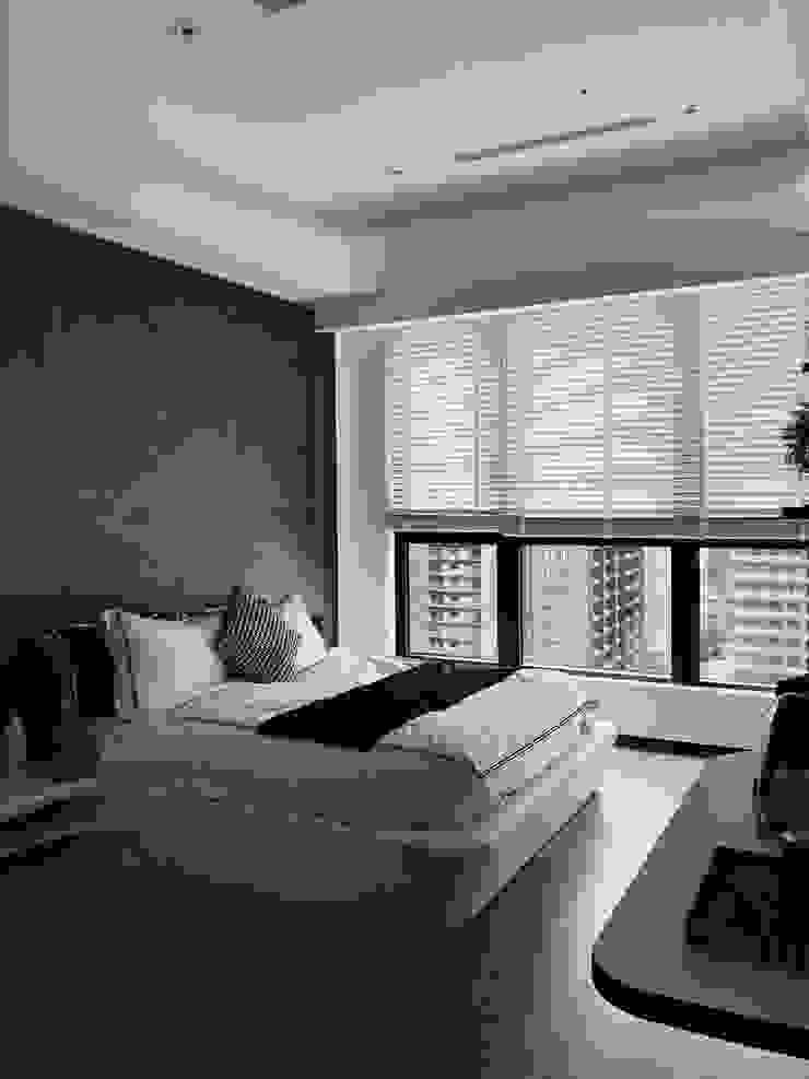 モダンスタイルの寝室 の On Designlab.ltd モダン