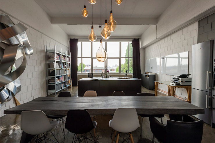 Oficinas y tiendas de estilo industrial de hysenbergh GmbH | Raumkonzepte Duesseldorf Industrial