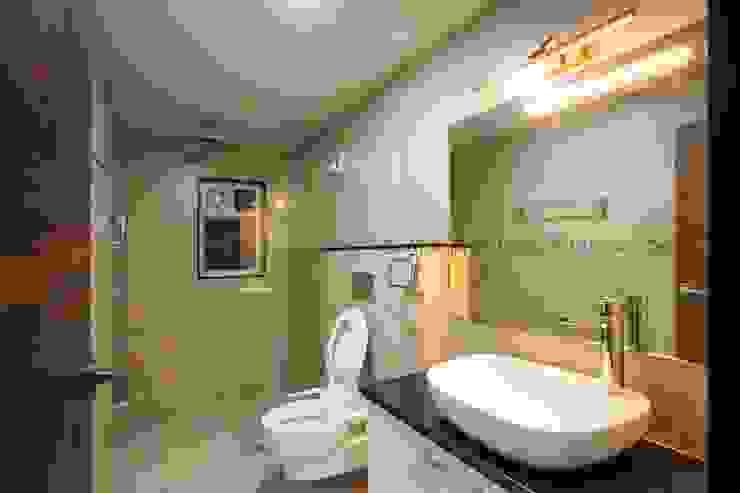 Modern bathroom by ARK Architects & Interior Designers Modern