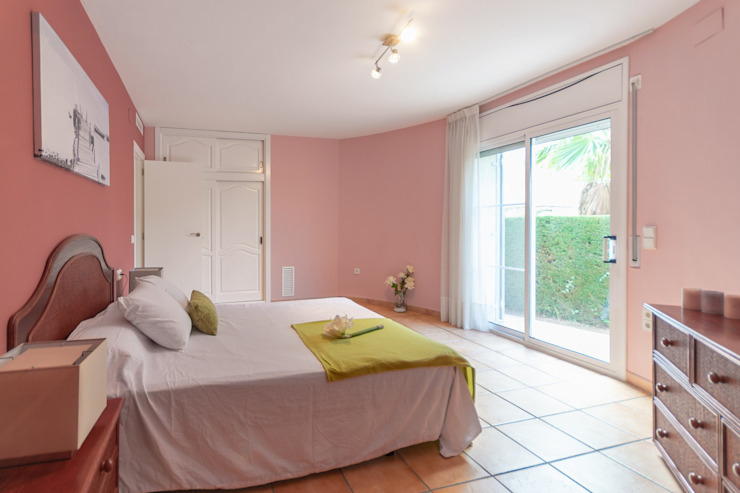 Phòng ngủ phong cách Địa Trung Hải bởi Home Staging Tarragona - Deco Interior Địa Trung Hải