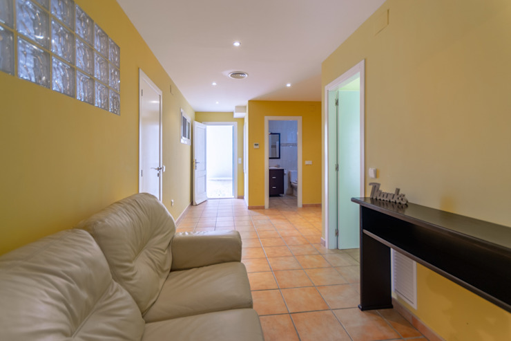 Ruang Keluarga Gaya Mediteran Oleh Home Staging Tarragona - Deco Interior Mediteran
